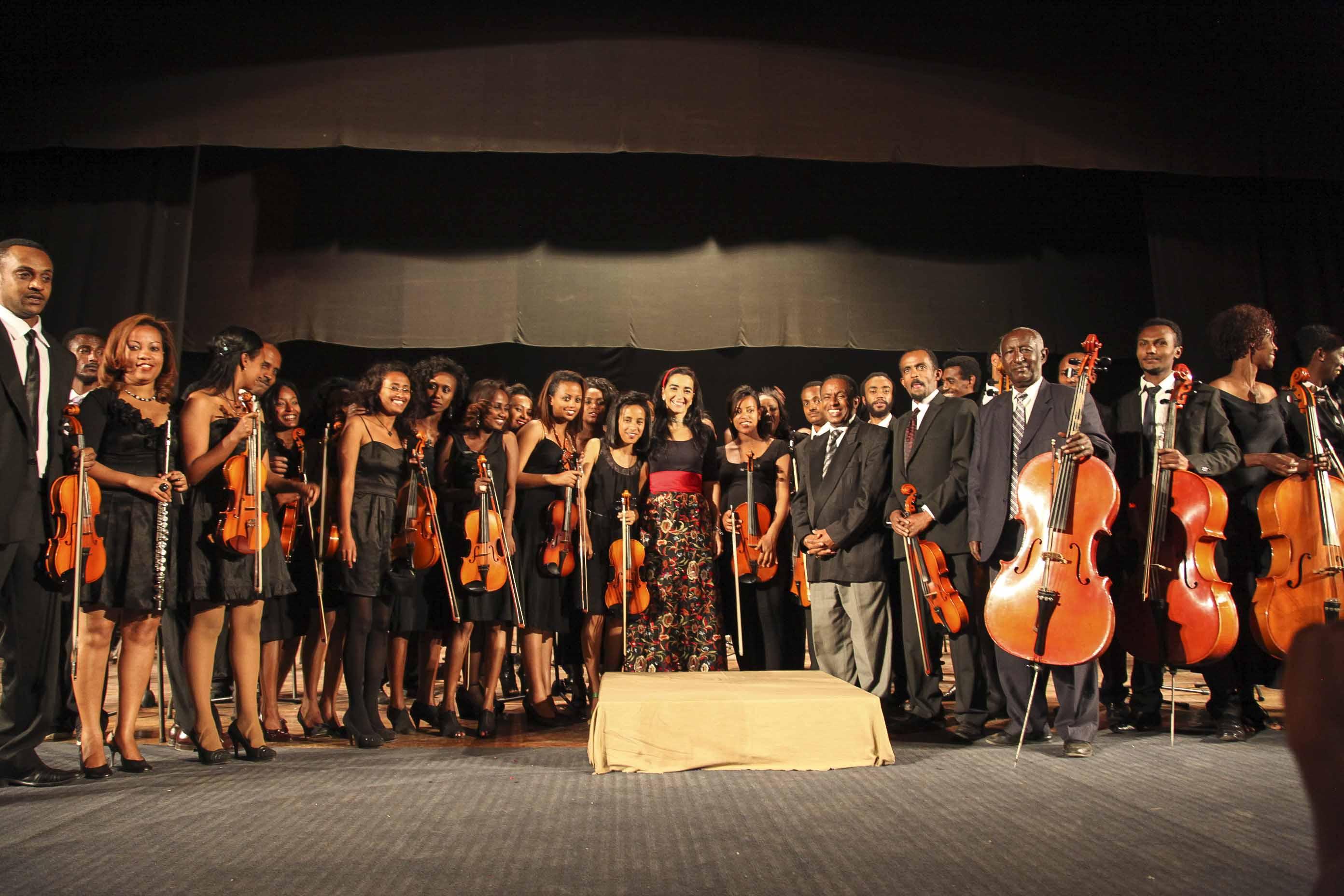 Silvia Sanz y su orquesta africana