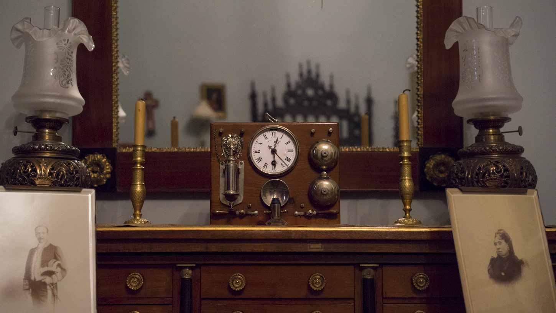 Reloj iluminado de noche
